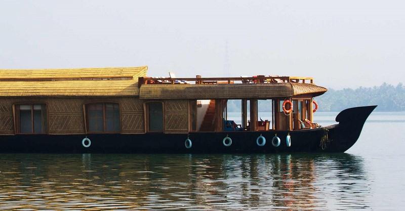 lotus houseboat blog-sr
