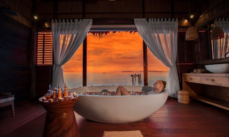 Secret Retreats in Asia with Jaw-dropping Views from the Bathtub