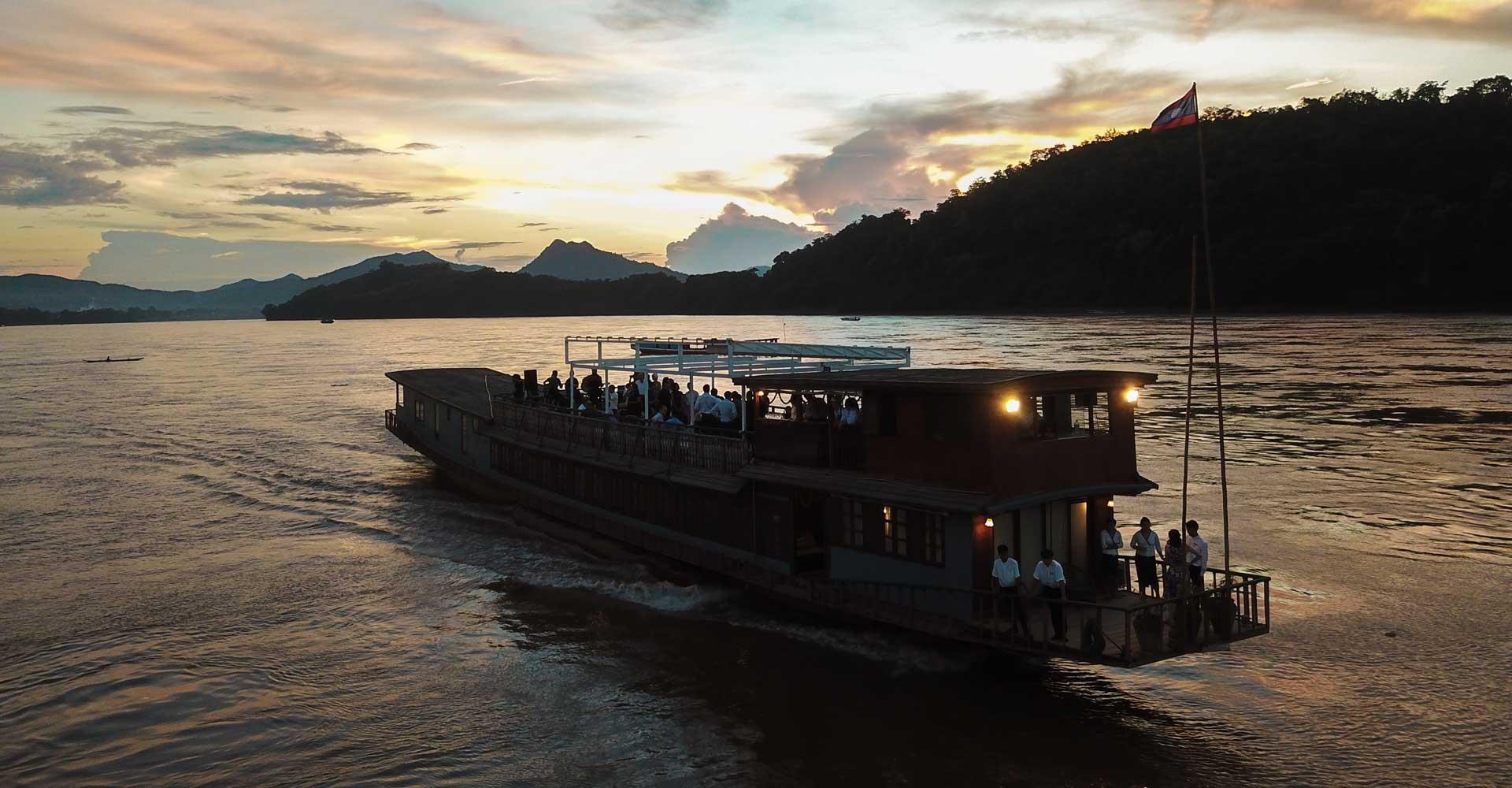 Satri Boat