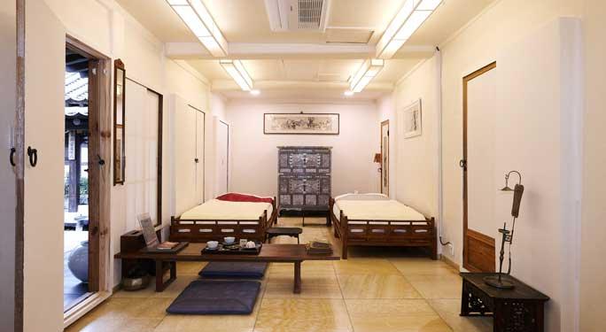 Master Bedroom (1 unit)