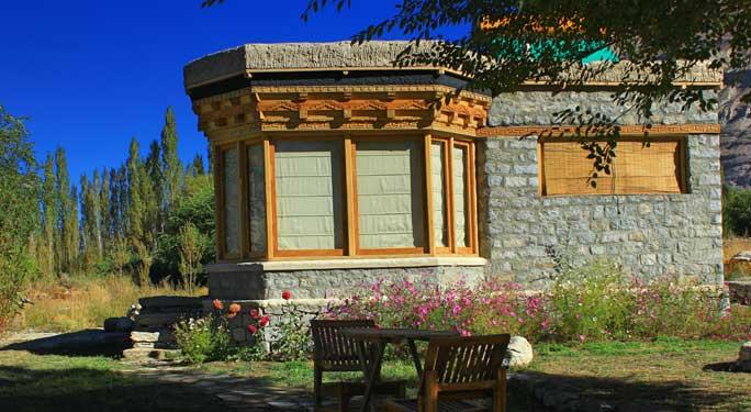 Serene Family Cottage (6 units)